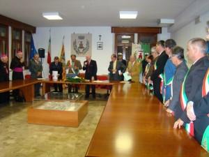 À Fossalta di Portogruaro (VE), le 4 octobre 2008, cérémonie de remise des décorations officielles à Bruno Grotto et Alain Clerc pour l'Alliance Franco-Italienne et Jean-Pierre Ruffé pour l'association partenaire Ricordate, en présence des maires des communes italiennes jumelées.